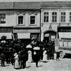 Zahájení autobusové dopravy mezi Benešovem a Neveklovem