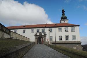 Na zámku Zákupy se uskutečnil sňatek následníka trůnu s hraběnkou Žofií Chotkovou