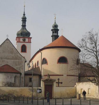 Byl kostel sv. Klimenta hradní kaplí knížecího hradu?