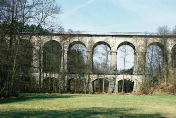 Sychrovský viadukt připomíná římský akvadukt