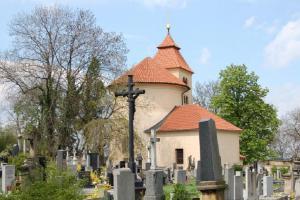 Hradiště Budeč – každý víkend v sezóně se můžete zúčastnit prohlídky rotundy sv.Petra a Pavla a hradiště