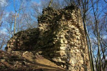 Nad řekou Oslavou se vypínal hrad Kraví Hora