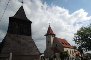 Na hradišti Slavníkovců stojí kostel sv.Štěpána