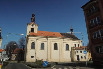 Kostel sv.Václava v Lovosicích je  dominantou náměstí