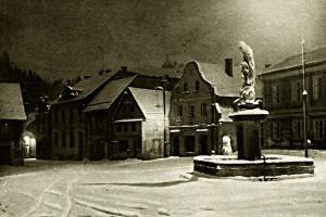 Půlnoc na náměstí v Železném Brodě