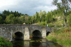 V Ronově nad Sázavou stojí renesanční silniční most