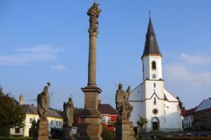 Kostel sv. Víta v Osečné skrývá hrobku rodu Biberštejnů