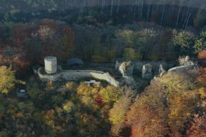 Hrad Cimburk u Koryčan byl hradem plášťového typu