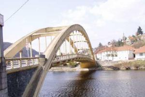 Most ve Štěchovicích dokumentuje vysokou úroveň předválečného mostního stavitelství