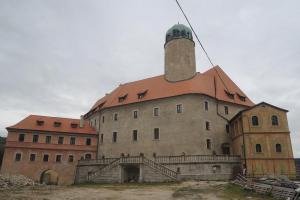 Hrad Liebenstein je příkladem štaufské hradní architektury