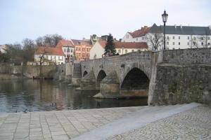 Nejstarší kamenný most v Čechách stojí v Písku