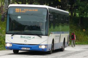 Turistické linky vlaků a autobusů zatím stojí. Až to půjde, rozjedou se rychle