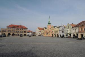 Mělník se vypíná nad soutokem dvou největších českých řek Labe a Vltavy