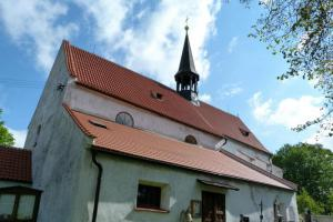 Kostel Zvěstování Panny Marie v Dobrši skrývá gotické nástěnné malby