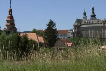 Broumovský klášter se připojí k Hodině Země
