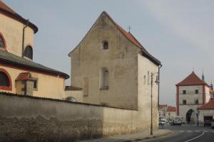 Byl kostel sv.Klimenta hradní kaplí knížecího hradu?