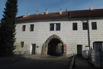 Budějovická brána v Třeboni odolala i vojsku dona Baltarara de Marradas