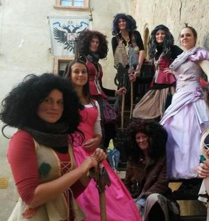 Čarodejnice a lekce čarodějného létání na koštěti na Hradě a zámku Staré Hrady