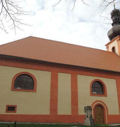 Kostel sv.Martina v Rostoklatech měl i obrannou funkci