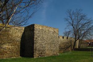 Městské opevnění Berouna je významným dokladem středověké fortifikační architektury