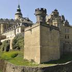 Frýdlant je středověký hrad i renesanční zámek
