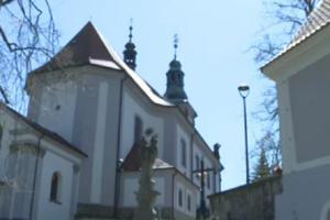 Kostel Nanebevzetí Panny Marie byl postaven z iniciativy děkana Jana Leopolda Mosbendera