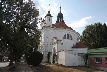 Kostel sv. Michala v Bechyni představuje jednu z nejstarších raně barokních centrál u nás