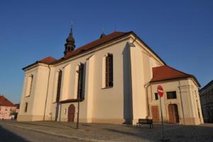 Kostel sv.Mikuláše v Dobřanech skrývá fresky Františka Julia Luxe