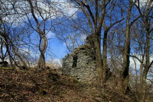 Hrad Křečov je příkladem menšího hradu donjonového typu