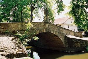 Švédský kamenný most stojí v Dobřívi
