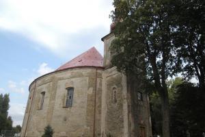 Kostel sv. Michaela ve Vernéřovicích patří do skupiny broumovských kostelů