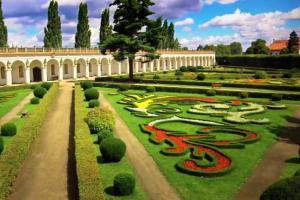 Víkendové jarní komentované prohlídky Květné zahrady v Kroměříži