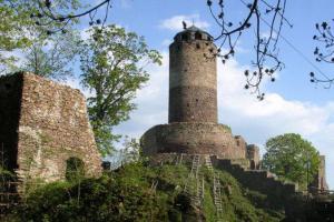 Hrad Hasištejn byl sídlem Bohuslava Hasištejnského z Lobkovic