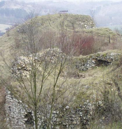 Na bájemi opředeném místě Tetín stával středověký hrad