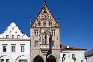 Kamenný dům v Kutné Hoře patří mezi nejvýznamnější památky pozdně gotické architektury
