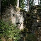 Hrad Hus byl sídlem zemského škůdce Habarta z Lopaty