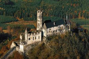 Hrad Bezděz je dominantou Českolipska