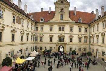 Slané nádvoří zámku Valtice