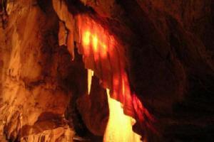 Javořické jeskyně překvapí bohatstvím krápníkové výzdoby
