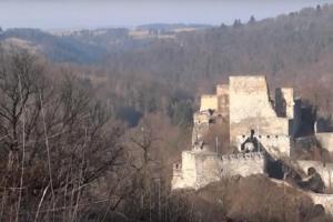 Hrad Cornštejn byl vybudován jako královská pevnost