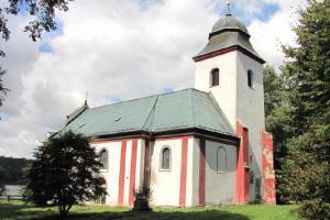 Kostel sv. Víta se dochoval z bývalého městečka Zahrádky