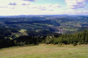 Krkonošský výlet nabídne výhledy, lezení v korunách stromů i závody motokár