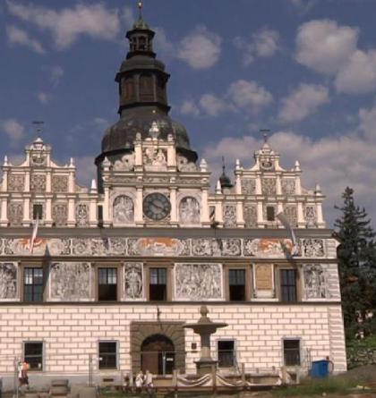 Radnice ve Stříbře zaujme krásnou sgrafitovou fasádou