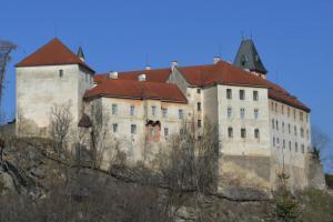 Na vimperském zámku bude kopie vzácné gotické sochy