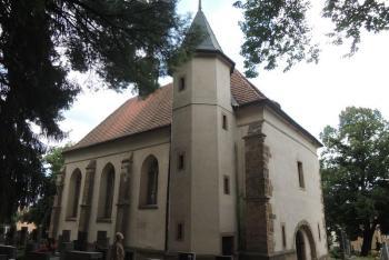 Kostel Nejsvětější Trojice v Rakovníku je renesanční stavba s prvky pozdní gotiky