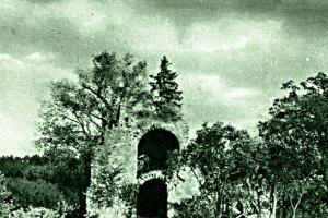 Zámek Choltice a tvrz Svojšice