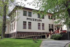 Sládečkovo vlastivědné muzeum zve na výstavu Vydra s bobrem