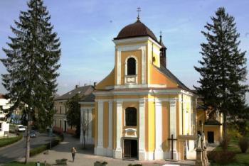 Kostel sv. Jiljí v Chropyni tvoří její dominantu