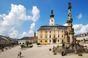 Morový sloup v Poličce patří k vrcholům barokního sochařství