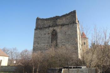 Pozdně gotická zvonice stojí ve Vyšehořovicích